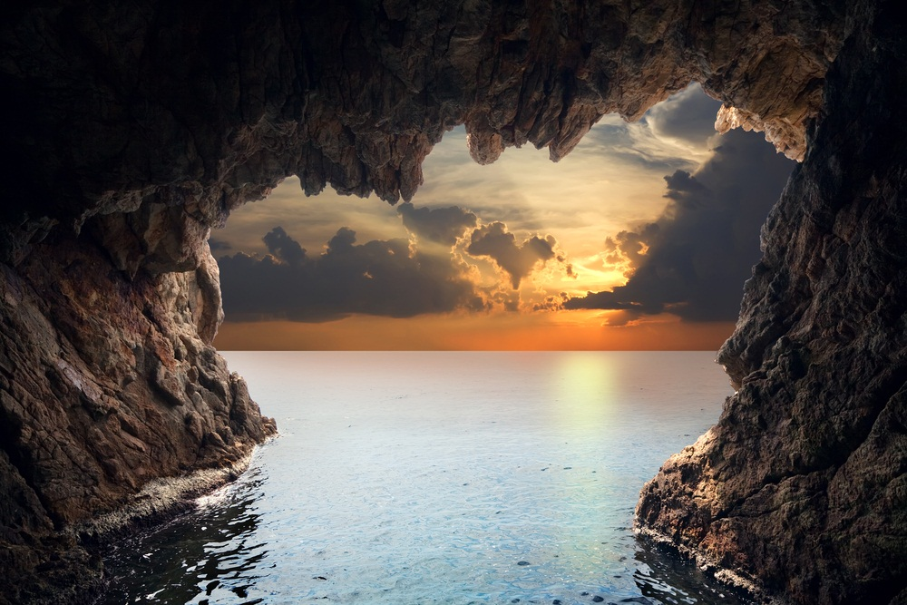 Summer Holidays: A British Bucket List | Home › Blog |Sea Cave